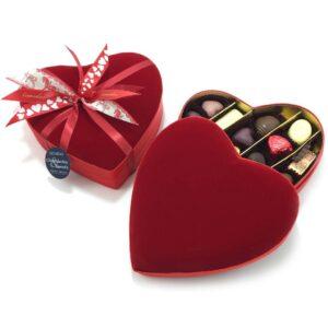 шляпная коробка-сердце